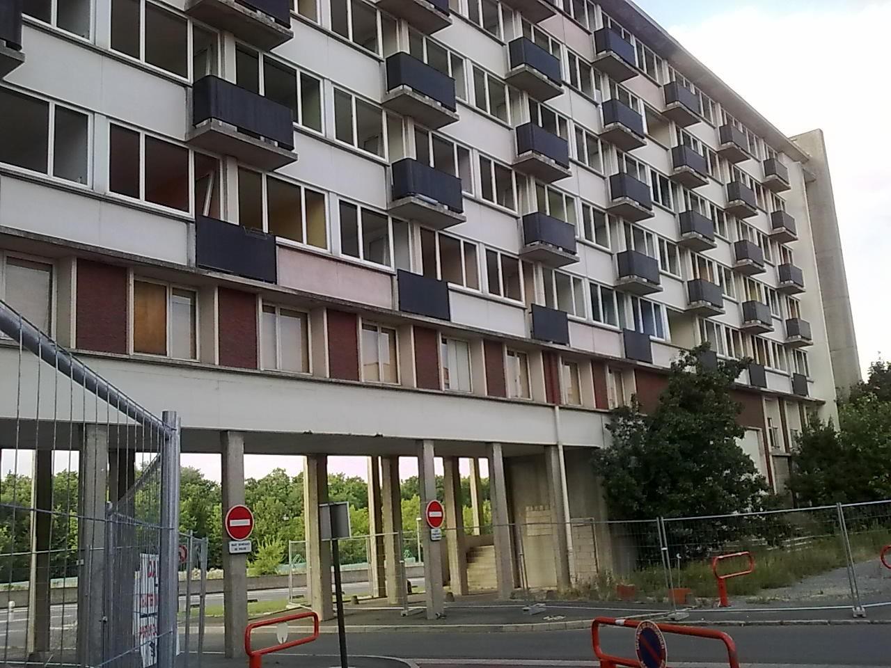 Juillet 2010, Résidence universitaire, bâtiment C